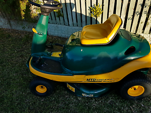 Ride on lawn mower Cessnock Cessnock Area Preview