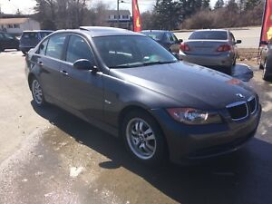 2007 BMW 323i LOW LOW KM!!! Fully loaded new Mvi Summer ready