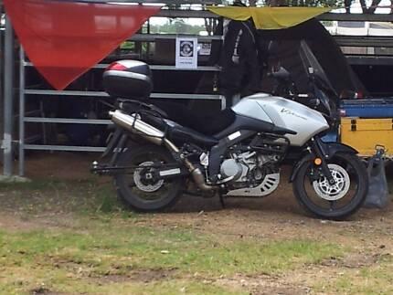 Suzuki DL 1000 VStrom and trailer