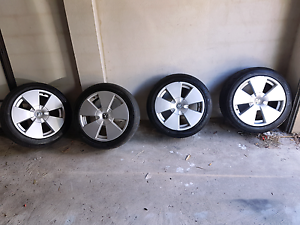 Holden vz calais rims +tyres + nuts Meadow Heights Hume Area Preview