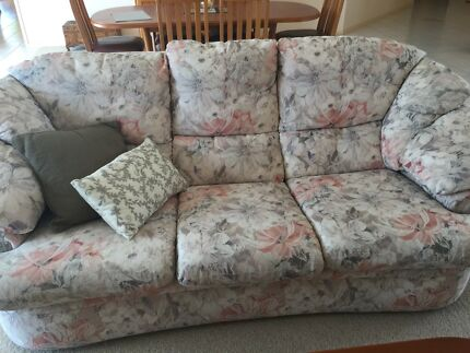 Janda 3 pce lounge suite excellent condition