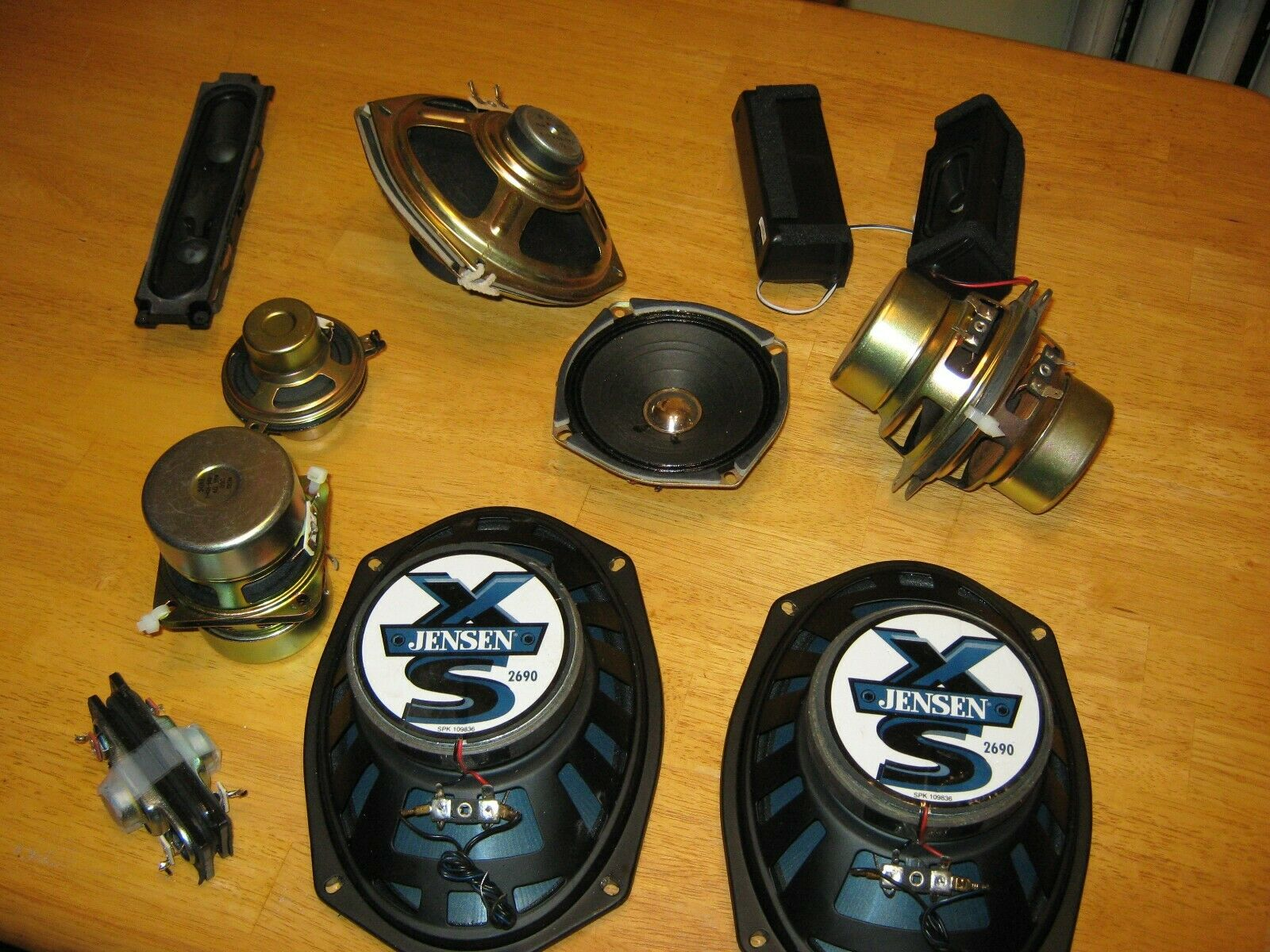 Very Large Lot Of Radio Speakers Jensen And Many Other Many In Pairs. Must-See - $5.00