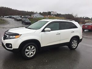 2011 Kia Sorento 4 door hatch SUV, Crossover; 6995.00