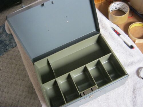 Cash Box with Removable 7-Compartment Tray