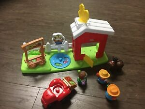 Fisher Price Little People Farm $4