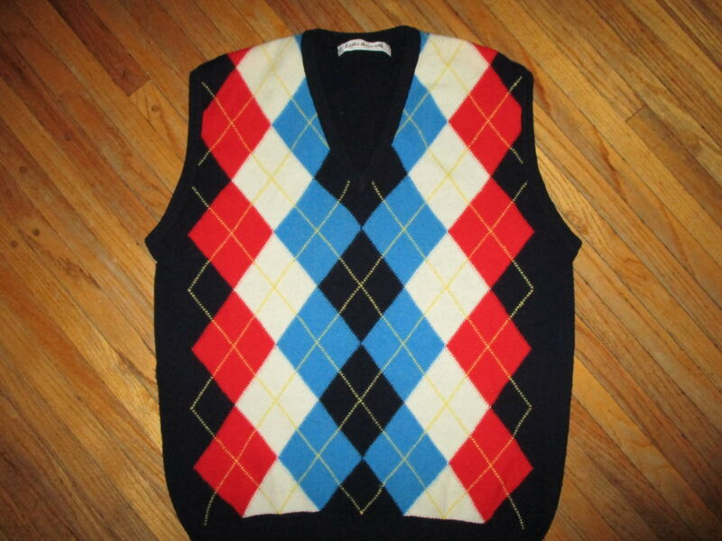 vtg LYLE & SCOTT LAMBSWOOL ARGYLE SWEATER VEST Red White Blue Scotland Size 44