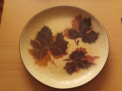 Leaf Wall Plate (VINTAGE POTTERY AUTUMN LEAF WALL PLATE ~ RUSTIC KITCHEN ~ TEA ROOM ~ SIGNED MM)
