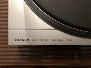 Sanyo TP-X1 Turntable