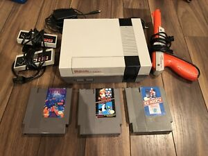 Original NES Nintendo Bundle with 3 Games, Zapper, 2 Controllers