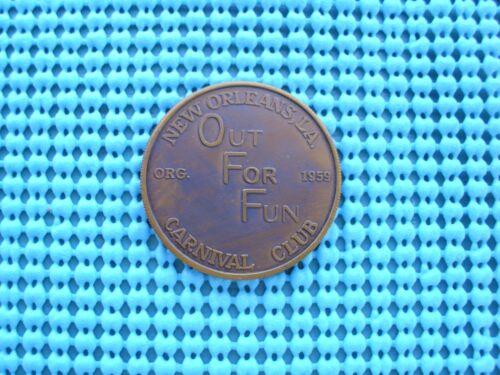 1972 OUT FOR FUN Carnival Club ant bronze Mardi Gras Doubloon - Mardi Gras Fools