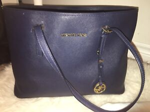 MICHAEL KORS LARGE BLUE TOTE BAG!!
