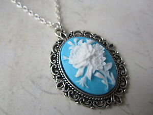 Victorian-Vintage-Silver-Plated-White-Blue-Flower-Cameo-Necklace-New-in-Gift-Bag