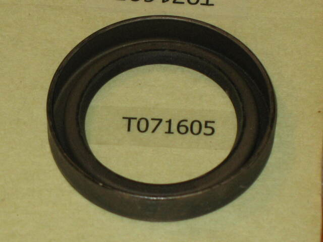 JOHN DEERE M84591 HB2200-16 oil seal main spindle