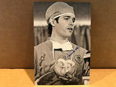DR ROBERT JARVIK Authentic Hand Signed Autograph 4x6 Photo - ARTIFICIAL HEART