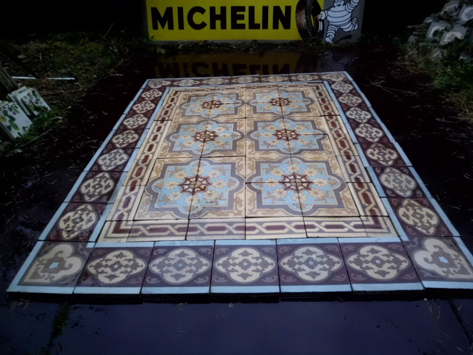 Carrelage ancien perusson villeroy boch metlach xviii for Carrelage 1900