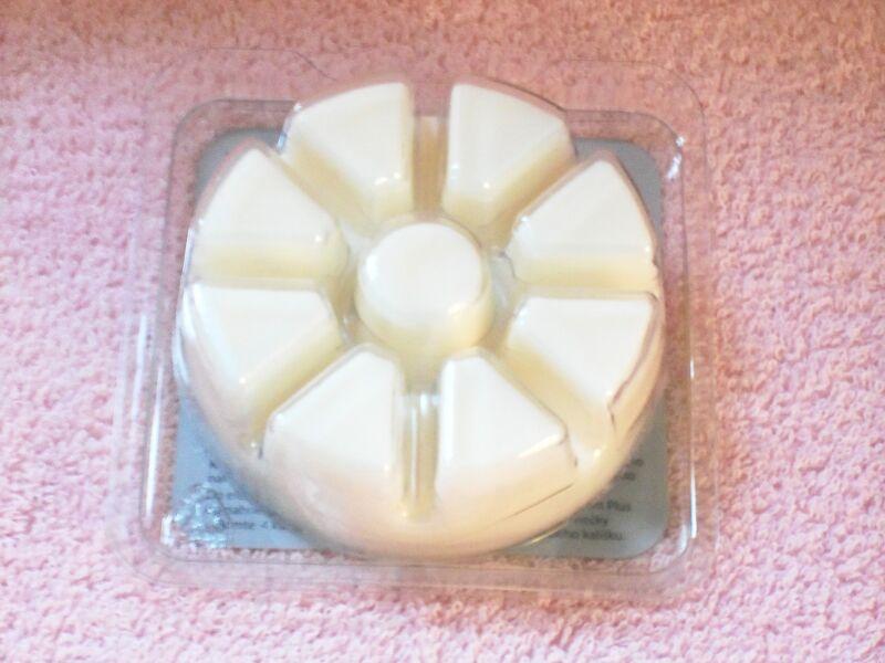 Partylite Marshmallow Vanilla Scent Plus Melts 9 pc -- NIB