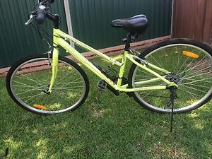 "*LIKE NEW* Ladies 21 Speed 26"" Fluid Spring Bike Gwandalan Wyong Area Preview"