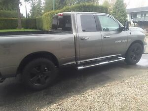 2011 Dodge Ram 5.7 Hemi SLT 4x4 Tow Package