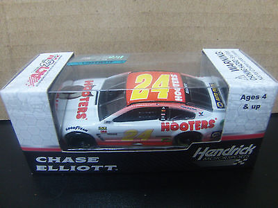 Chase Elliott 2017 Hooters #24 Chevy SS 1/64 NASCAR Monster Energy Cup