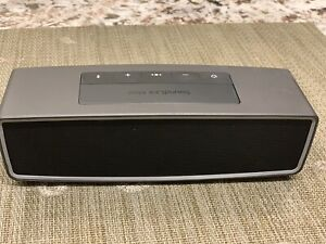 Bose SoundLink Mini II Speaker with case mint condition