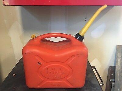 Scepter 5 Gallon Vented Gas Can Model J-20 Pre Ban Spout