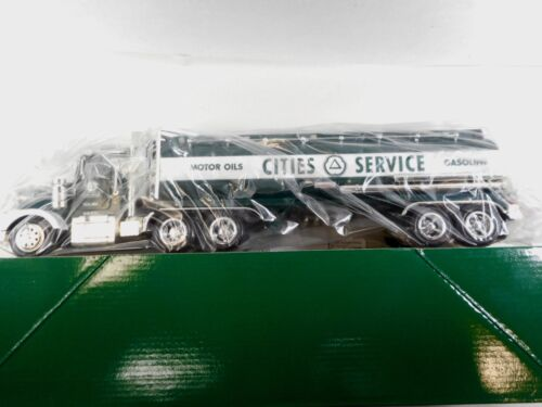 Taylor Trucks Cities Service Tanker Truck 1:32 Scale Toy Bank / Lights / Sound