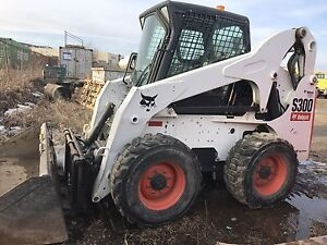 Bobcat S300 with 660 hrs!!