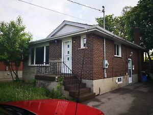 VERY LARGE 3 BEDROOM MAIN FLOOR EAST 15TH ST