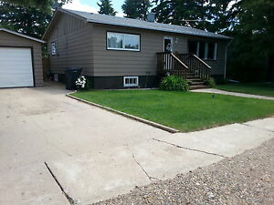 House for rent in Rosemary AB