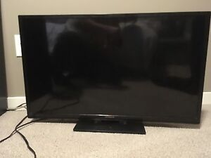 "2012 Hitachi LED 24"" TV"