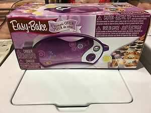 Easy bake oven , all accessories included like new 30$