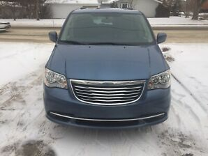 Chrysler Town & Country Touring. 2012