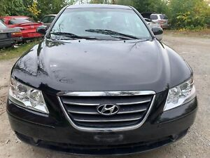 2010 Hyundai Sonata.No accident.Extra set of tires.very low km