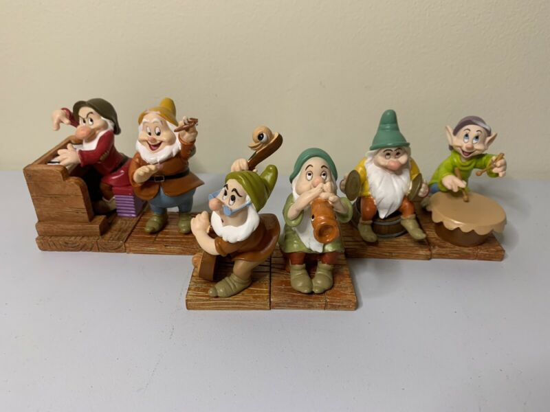 Disney Snow White and the Seven Dwarfs 65th Anniversary Lot Of 6
