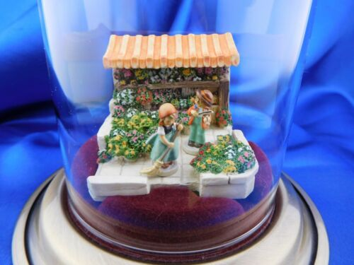 MINIATURE GOEBEL 949-D KINDERWAY MARKETSQUARE FLOWER STAND MINI OLSZEWSKI/EUC