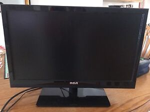 20 inch LCD tv with remote