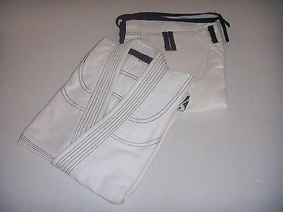 Brazilian Jiu Jitsu Gi for Mens - WHITE/BLACK Pearl Weave 100% Cotton Preshrunk ()