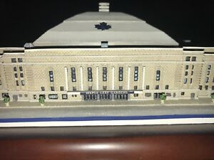 Danbury Maple Leaf Gardens replica