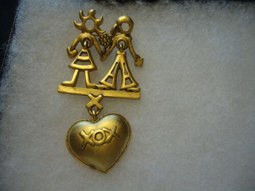 Danecraft vtg/nos gold tone Couple XOX Heart pin