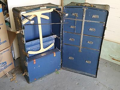"D E Rose Blue Wardrobe Trunk Round Top ""American Beauty"" - Original Items"