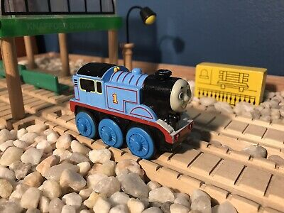 Thomas Wooden Railway Battery-Operated Thomas WORKS GUC