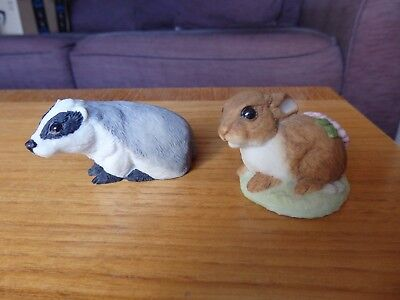 2 SMALL TEVIOTDALE HAWICK SCOTLAND COLLECTABLE ANIMAL FIGURINES RABBIT & BADGER