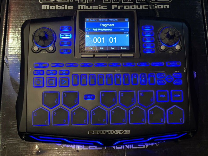 BKE Beat Thang BT-H210 Standalone Sampling/Sequencing Drum Machine