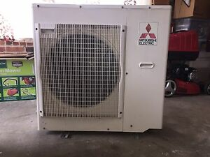 Air conditioning reverse cycle 4 room system Elanora Heights Pittwater Area Preview