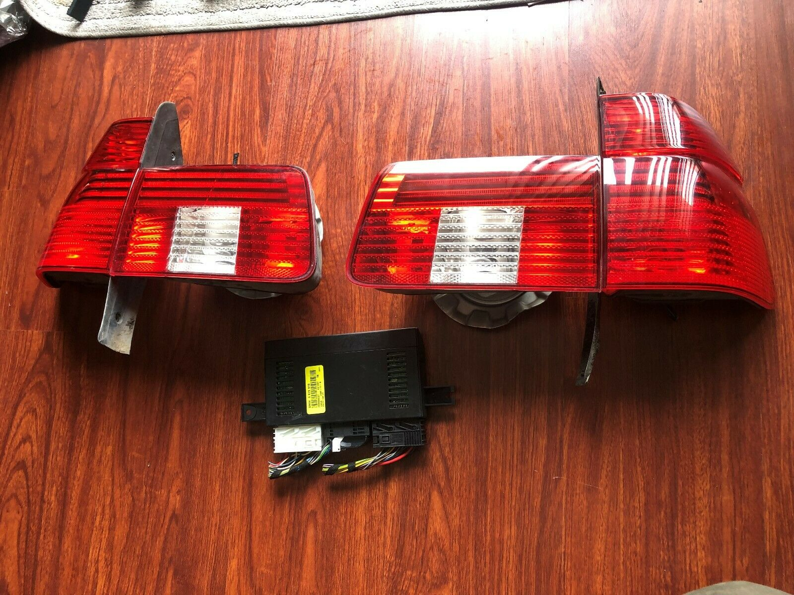 2001 2003 BMW E39 WAGON TOURING 540iT 525iT 540i 525i LED Tail Light Lamp LCM