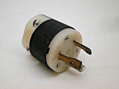 Hubbell 2611 Twist-Lock Locking Plug 30A 125V L5-30P, Older Style
