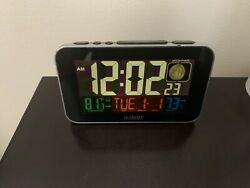 The LA CROSSE Smart Phone Charging Atomic Alarm Clock Large LED Display