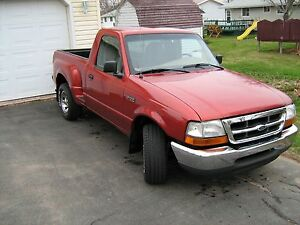 Looking for: Ford Ranger 4x4 V6 standard