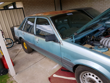 Vl commodore rolling unlic car no motor or box