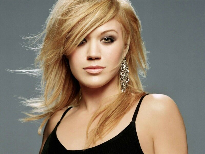 KELLY CLARKSON 8X10 GLOSSY PHOTO PICTURE IMAGE #2